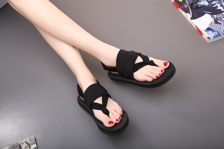 30c5435f7386f Bohemia Flip-Flops Female Cool Slippers Cloth Belt Clip With Flat Sandals  In The Summer Beach Flip-Flops